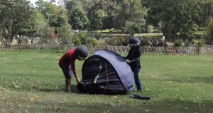 Campingninja Pop-Up Tent Challenge – Camping Tip of the Week