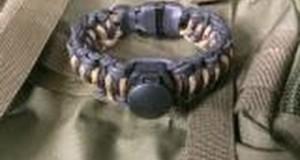 Survival Kit: The 18-Item Wazoo Survival Gear Adventure Bracelet